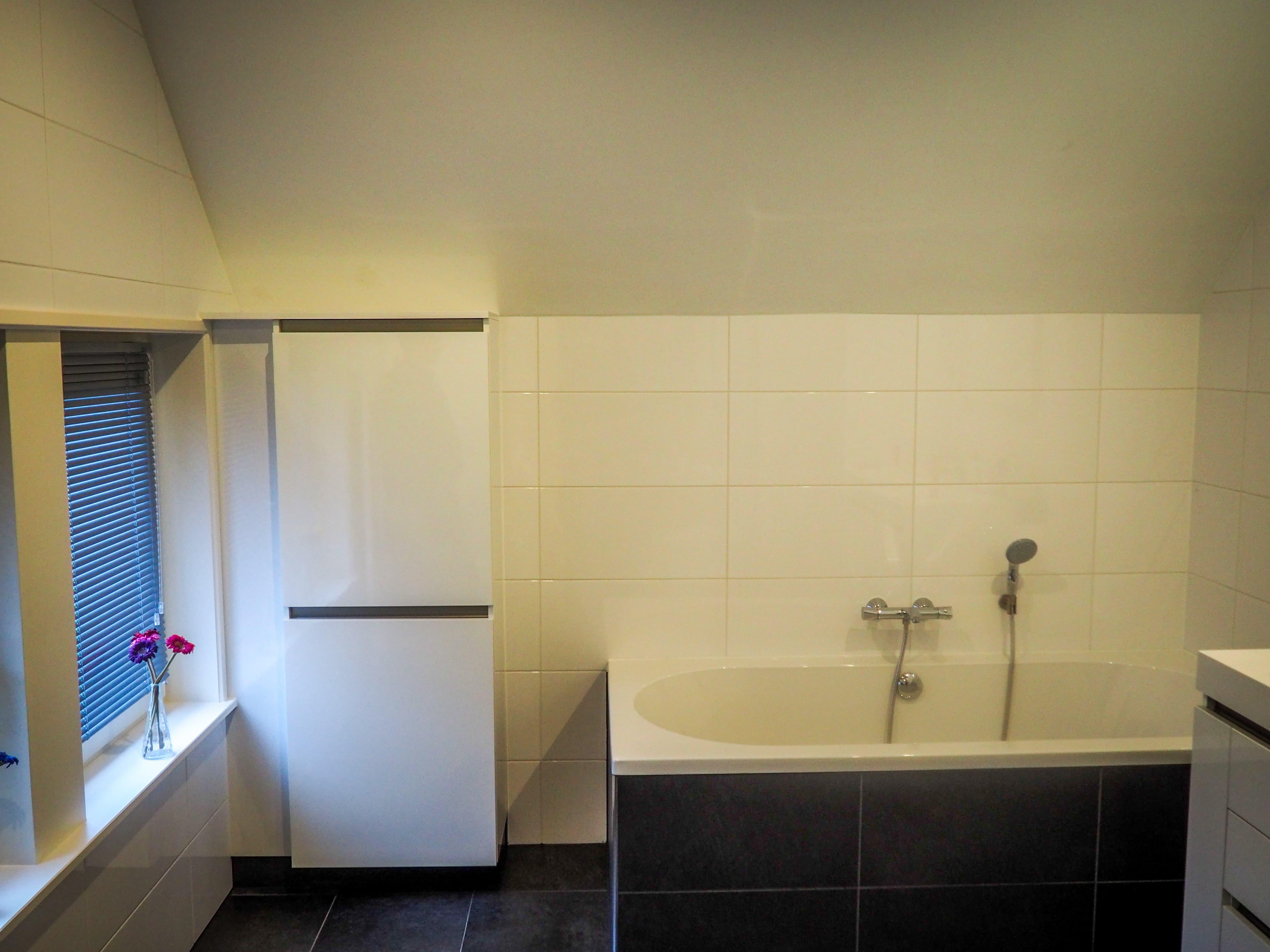 Bouw en onderhoud woning, badkamer Siddeburen / Groningen