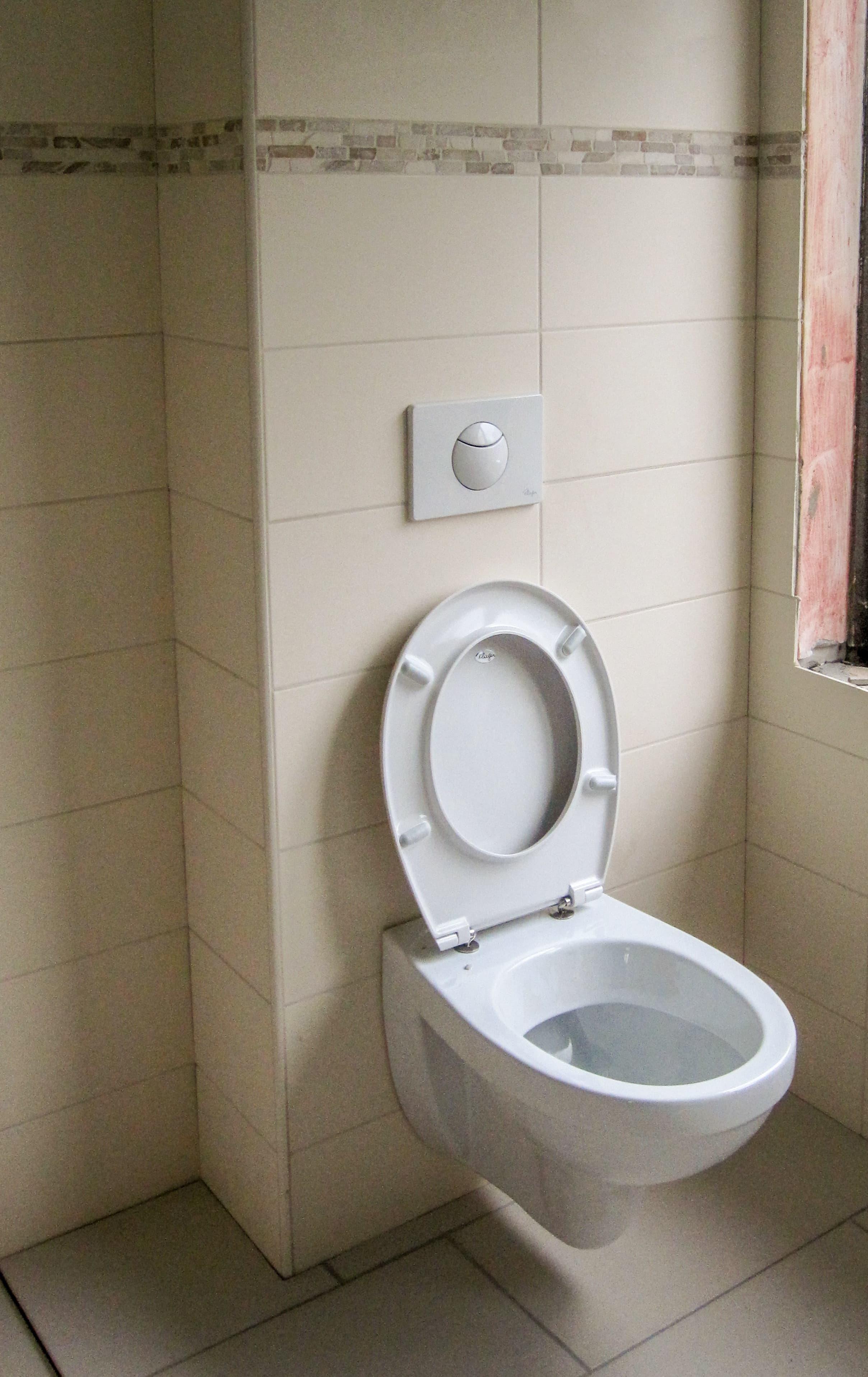 Tegelwerk, badkamers en sanitair aanpassingen of verbouwingen.